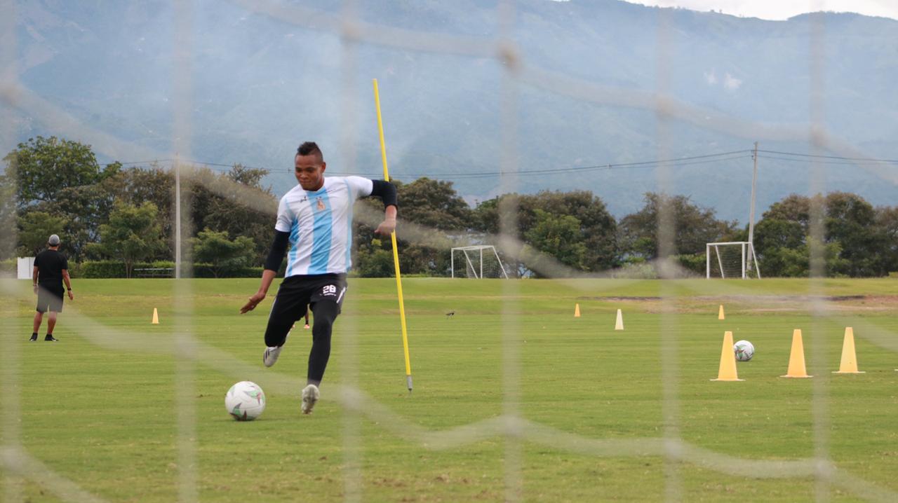 Hernán Torres, técnico del Deportes Tolima, respondió a malintencionados y 'malas leche'