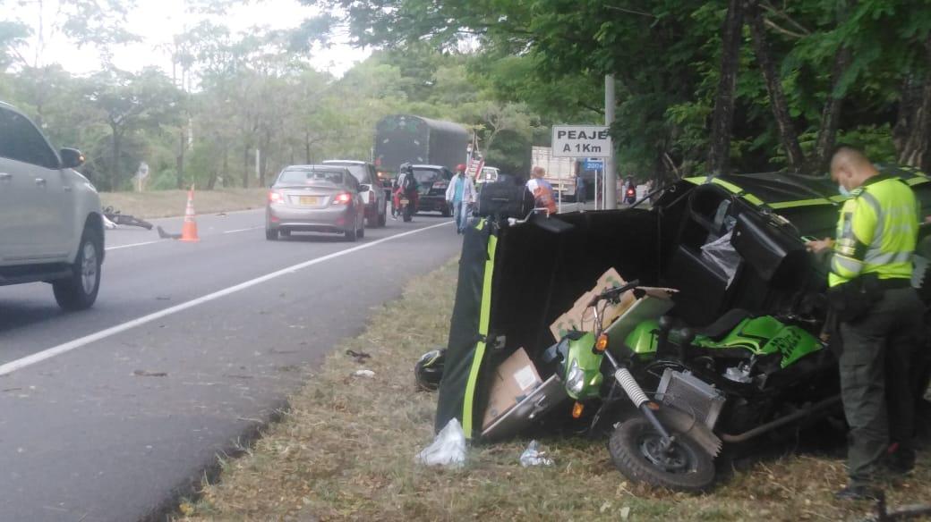 De Icononzo son el muerto y el herido, arrollados por el tracto camión en la variante de Chicoral