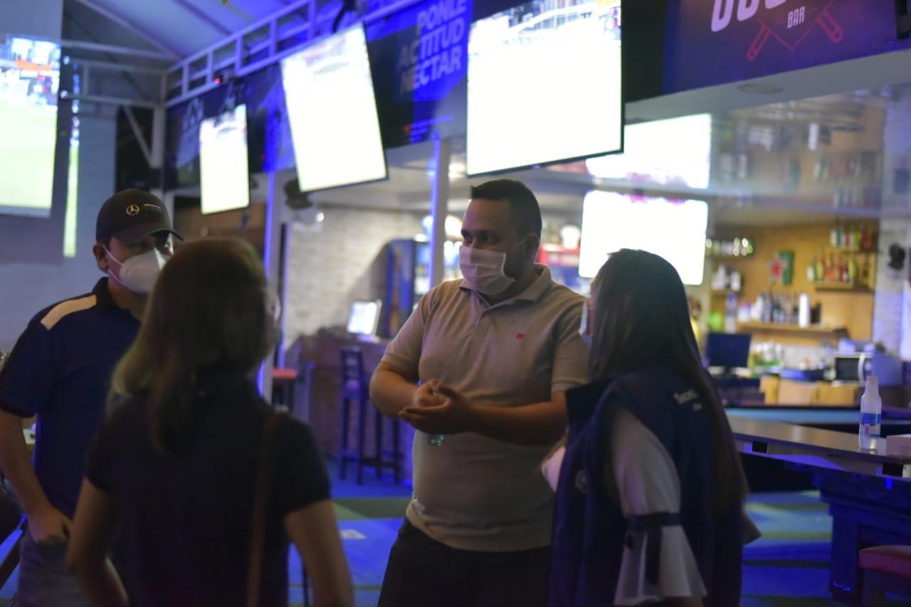 Con buen comportamiento ciudadano arrancó plan piloto de reactivación de bares en Ibagué
