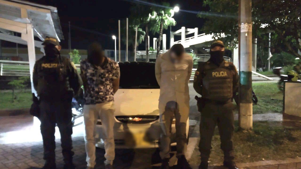 Acusados de abrir y robar carros en la Avenida Pedro Tafur