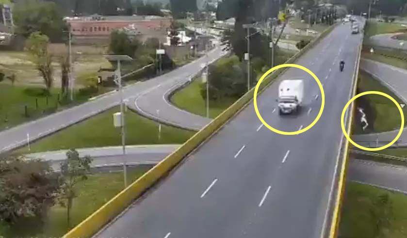 En libertad conductor del camión que atropelló a un ciclista y lo hizo caer de un puente