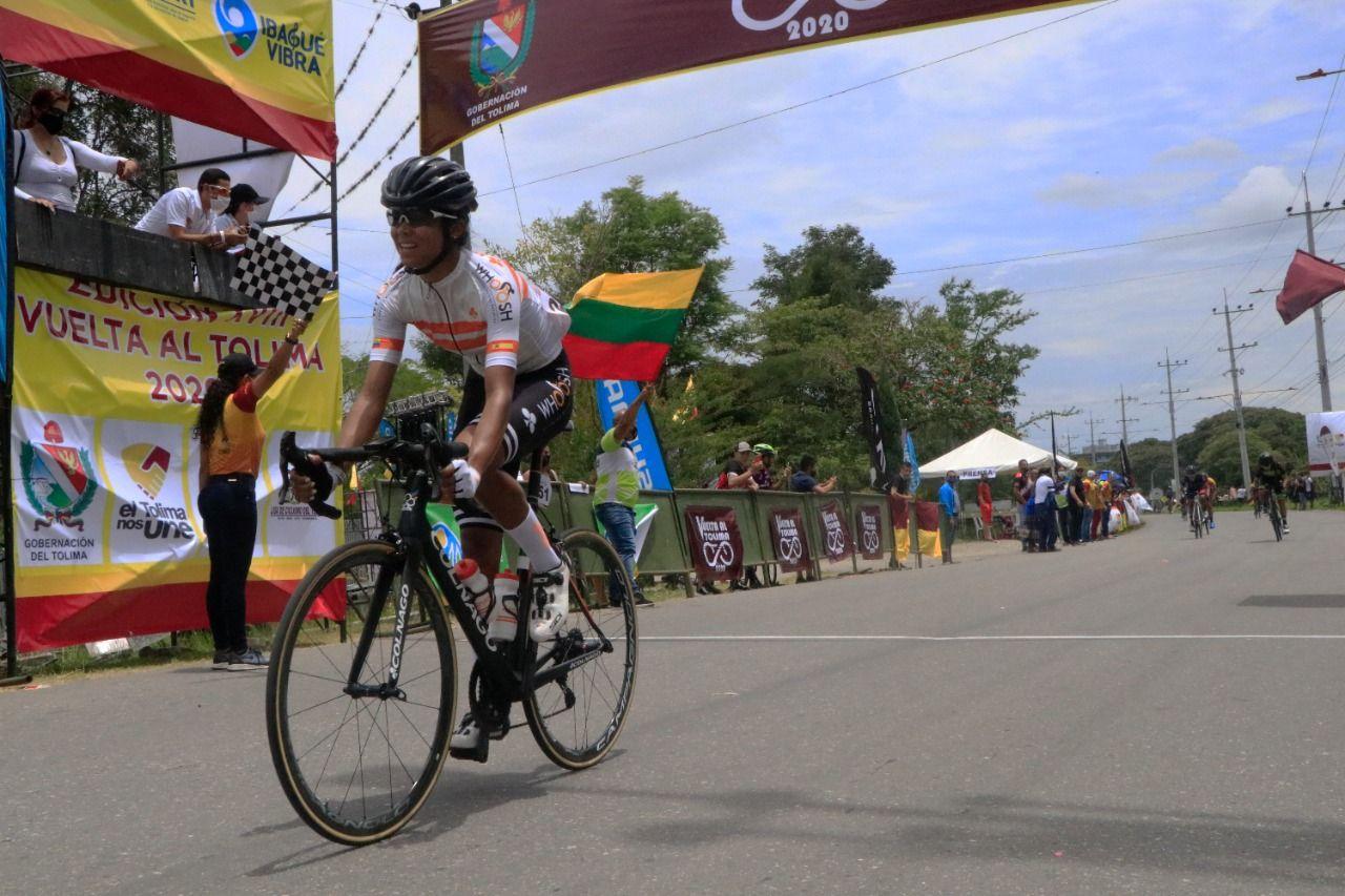 Aldemar Reyes y Andrea Álzate, los primeros líderes de la Vuelta al Tolima