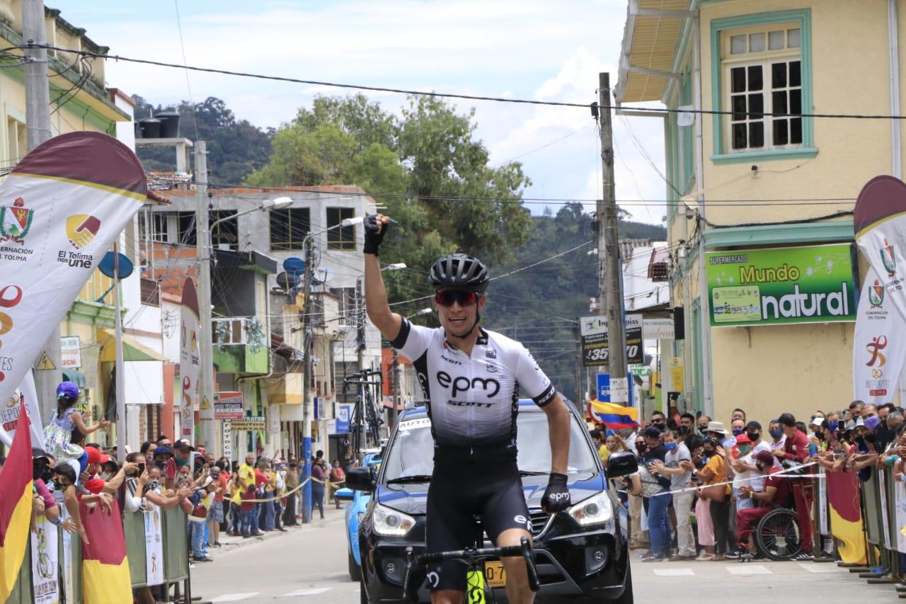 Alexander Gil y Natalia Pardo cruzaron primero la meta en El Líbano