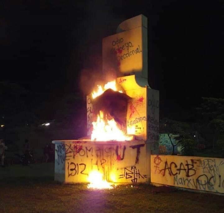 Investigarán vandalismo en monumento de Andrés López de Galarza