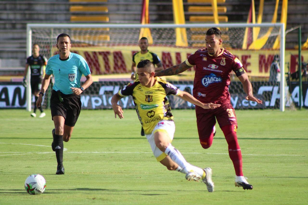 Deportes Tolima 3 - A. Petrolera 1: El 'oro negro' fue para el líder, clasificado e invicto