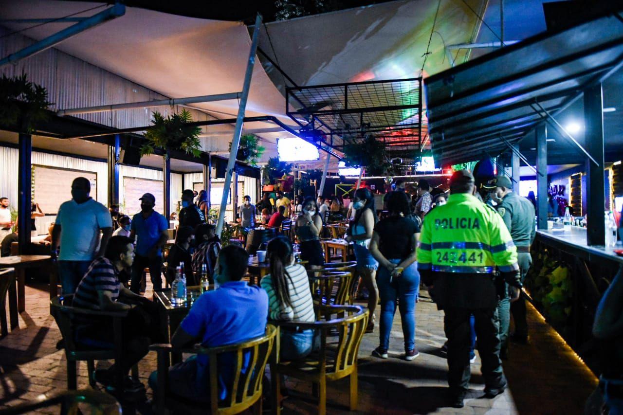 Sancionaron a cinco bares por incumplimiento de protocolos de bioseguridad