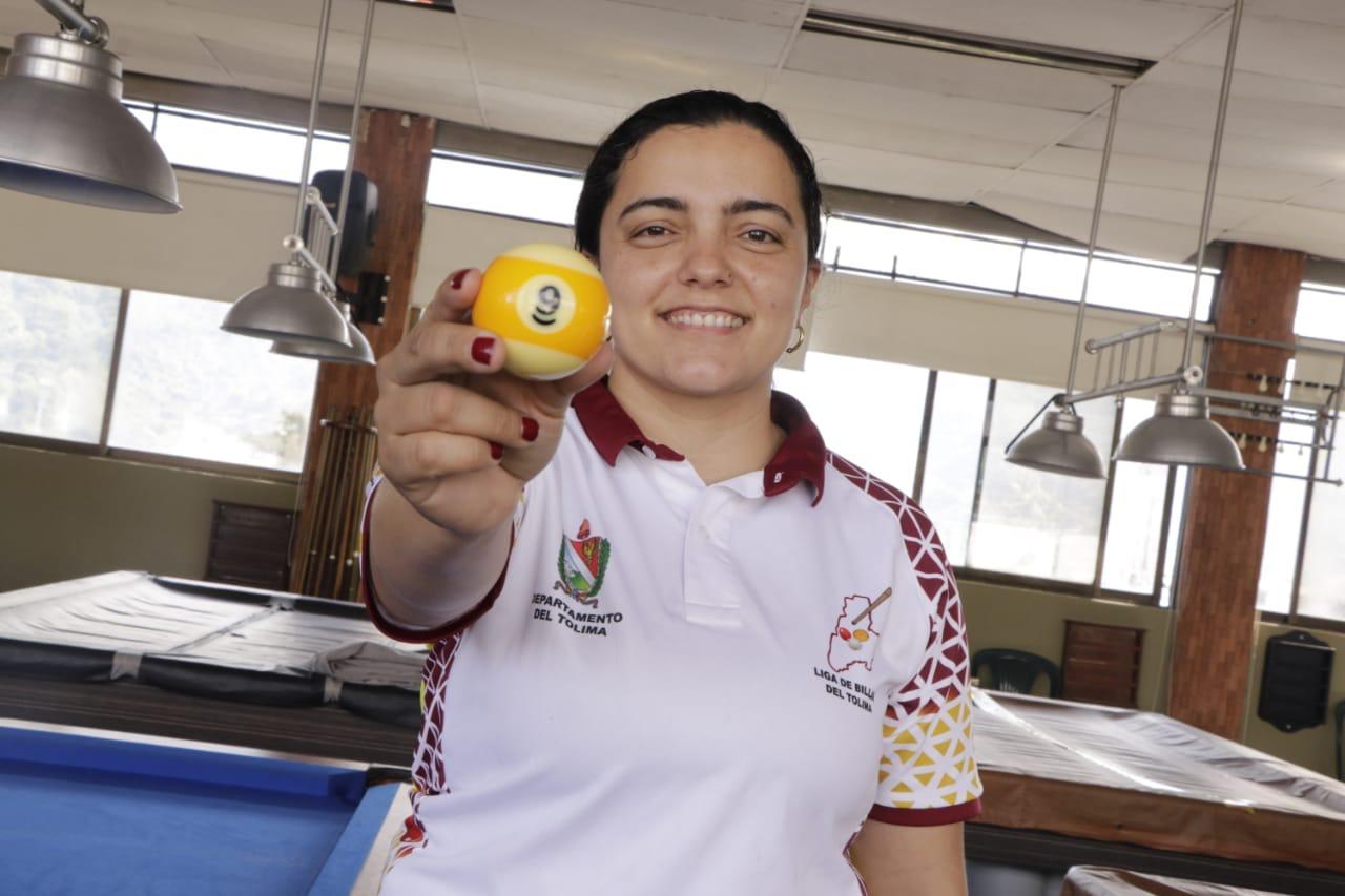 Andrea Cardona se coronó campeona nacional de billar pool bola 9