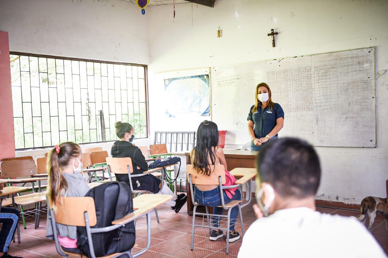 Con alternancia y de manera gradual, 108 estudiantes del sector rural regresarán a clases presenciales