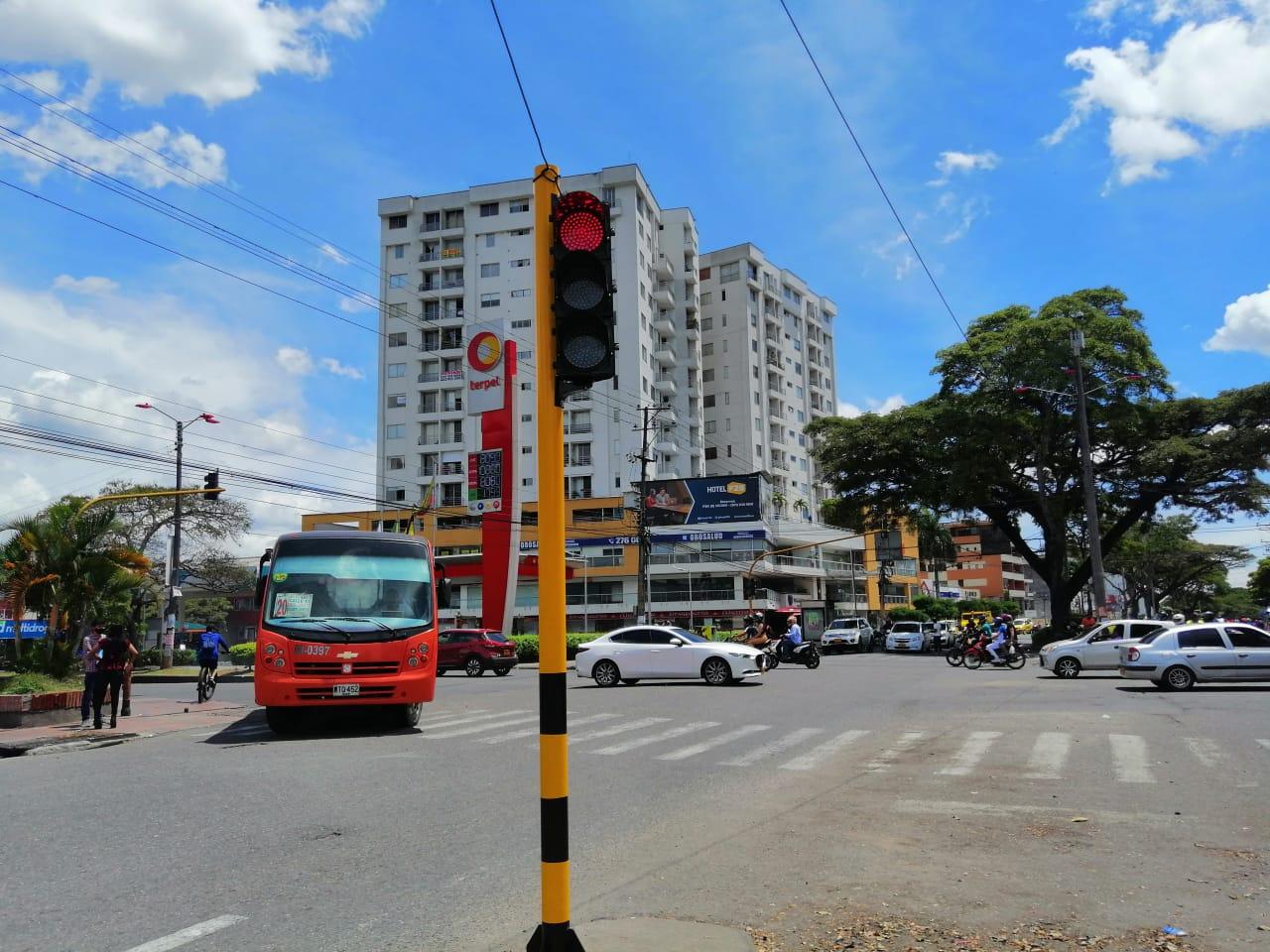 Avanza mantenimiento de la red semafórica de Ibagué