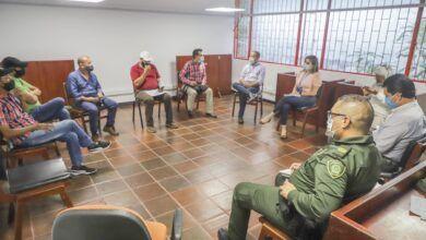 Photo of Administración Municipal instala mesa de negociación con el gremio de taxistas