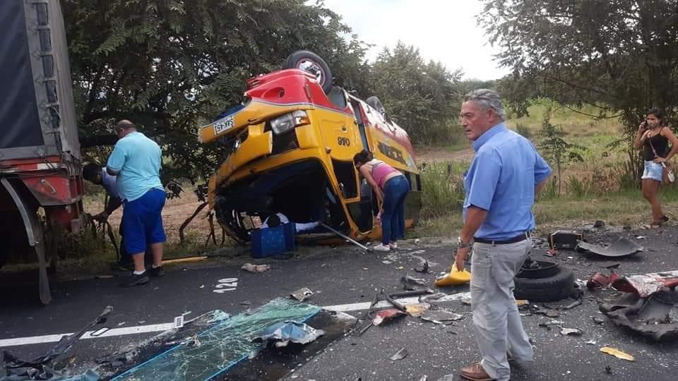 Un muerto y seis heridos dejó choque entre vehículo y buseta de Rápido Tolima