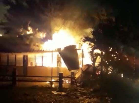 Video: El fuego acabó con restaurante 'llanero' en la vía a Mirolindo