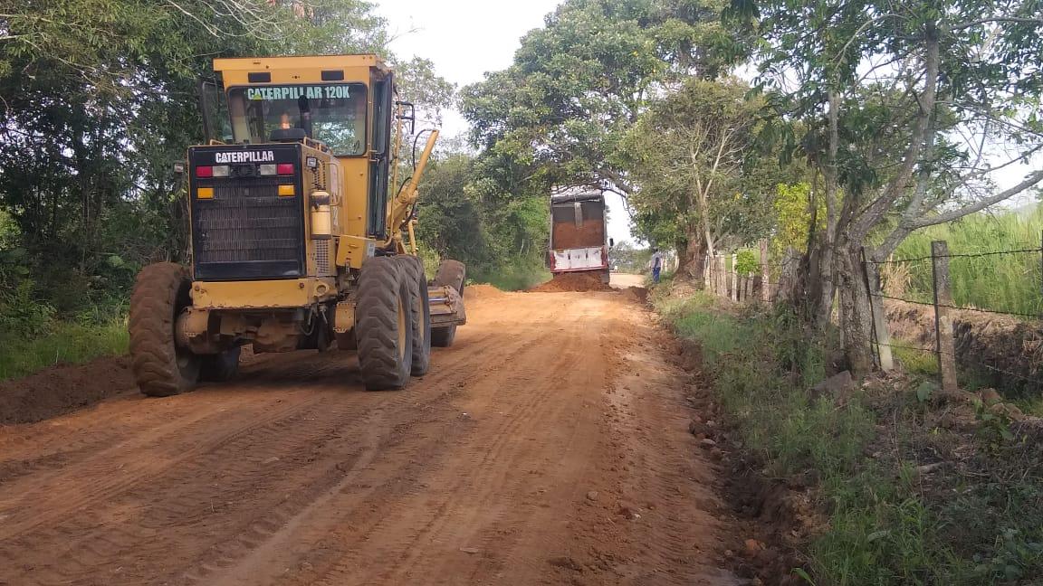 Comprarán maquinaria para el mejoramiento de vías rurales