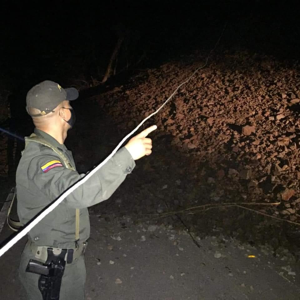 Deslizamiento incomunicó a Rioblanco con Chaparral, en el sur del Tolima