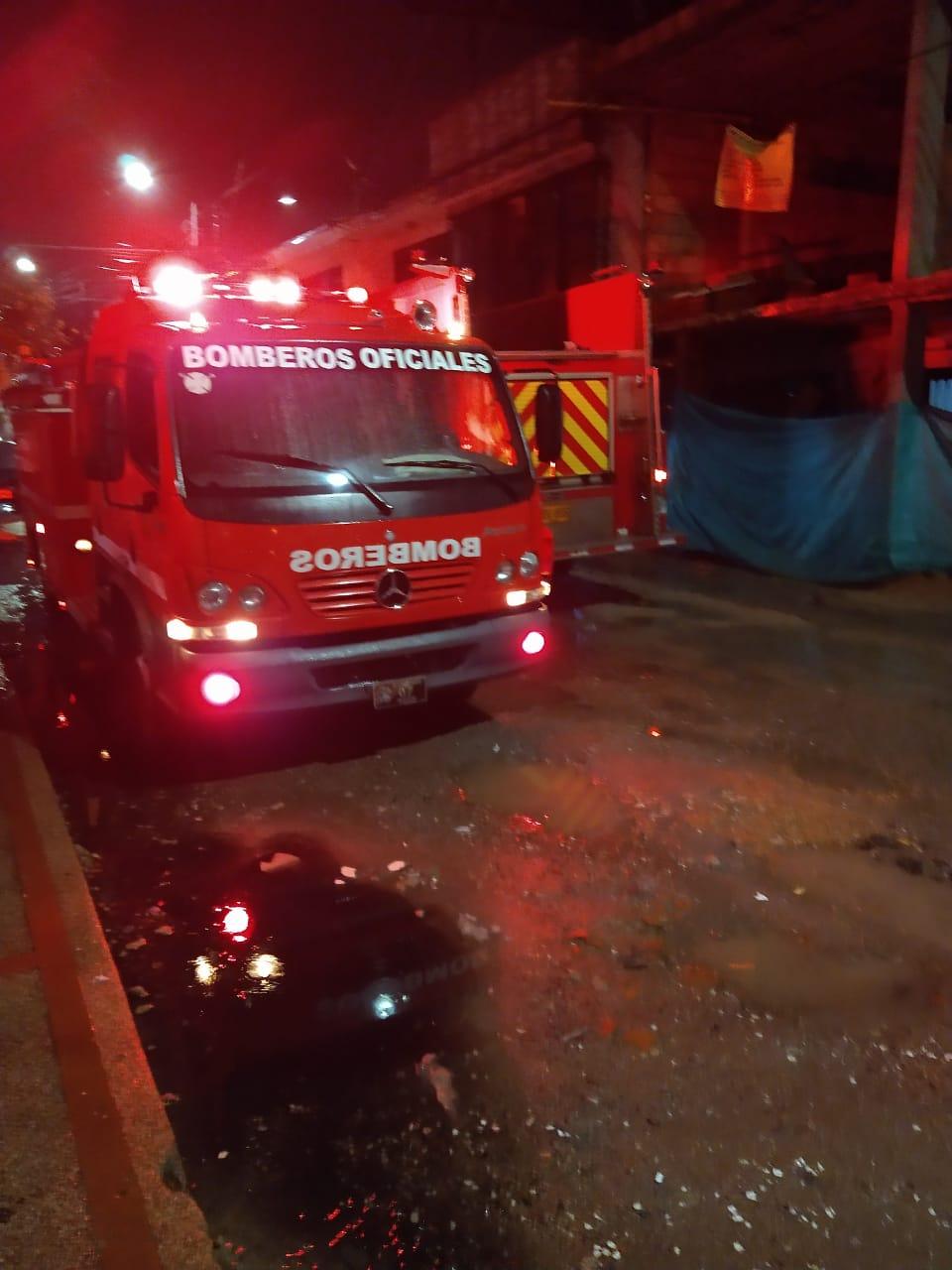 Una vela ocasionó incendio en vivienda del barrio Los Remansos