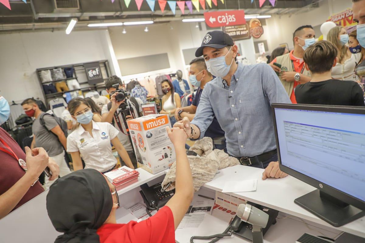 Ventas durante el 'Día sin IVA' en Ibagué aumentaron en un 50%