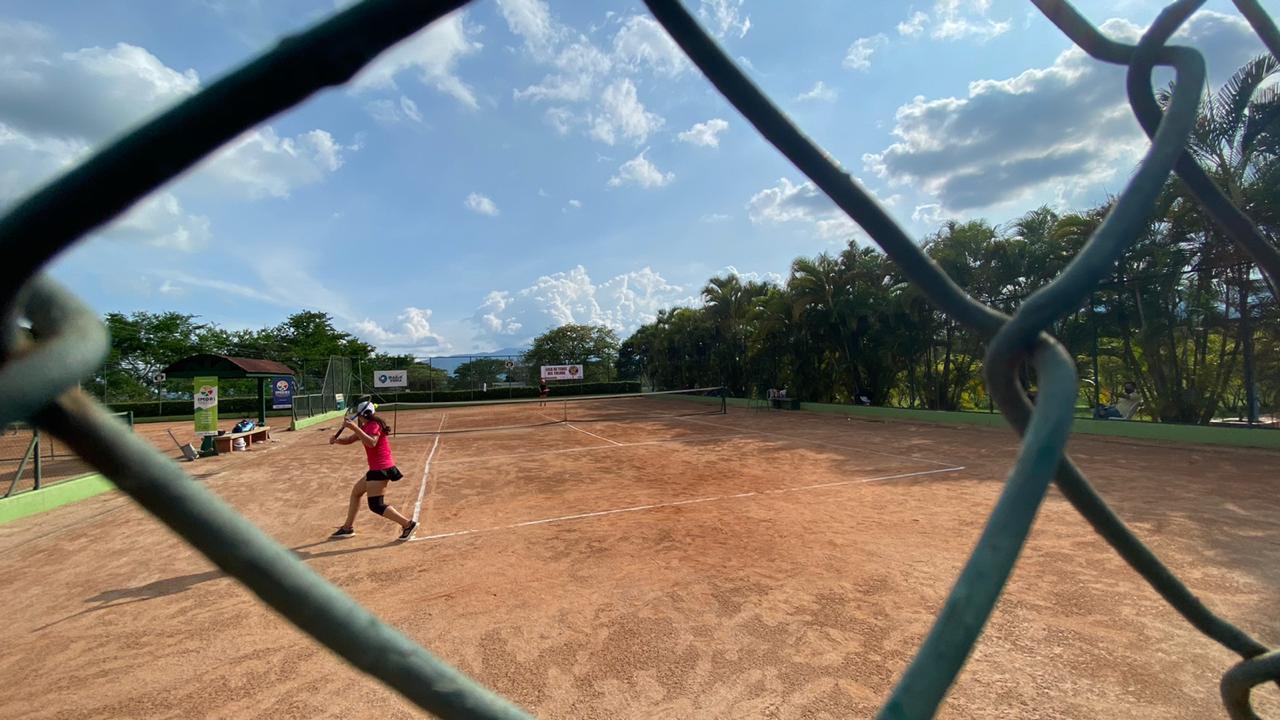 Tres tolimenses fueron campeones en torneo nacional de tenis en Ibagué