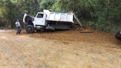 Photo of Volqueta perdió su troque y llantas traseras en la vía a Payandé