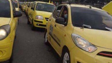 Photo of Taxistas ibaguereños se unieron a las protestas y movilizaciones en Bogotá