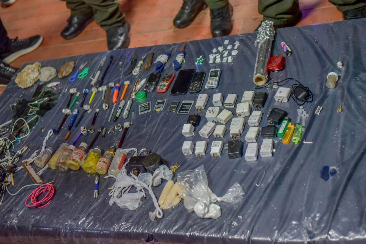 Fotos: Operativo sorpresa de registro en el Politécnico Luis A. Rengifo