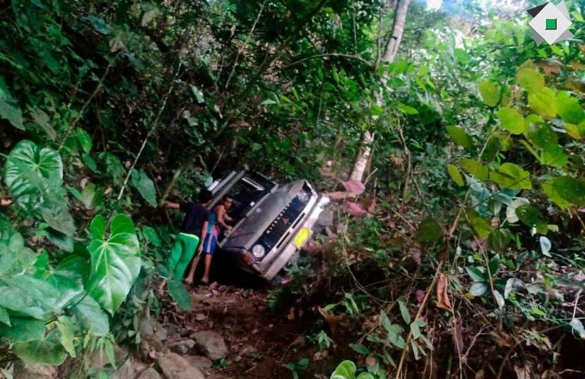 Ocho heridos dejó la caída de un campero a un abismo entre San Bernardo y San Juan de la China