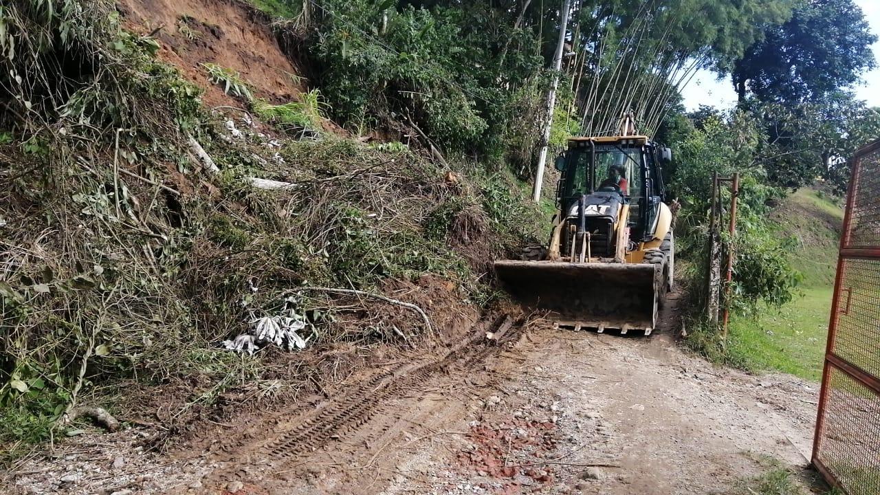 Alcaldía atendió emergencia de deslizamiento de tierra en el corregimiento Calambeo