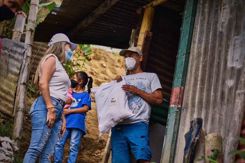 Familias afectadas por las lluvias en el barrio Las Delicias II recibieron ayudas humanitarias