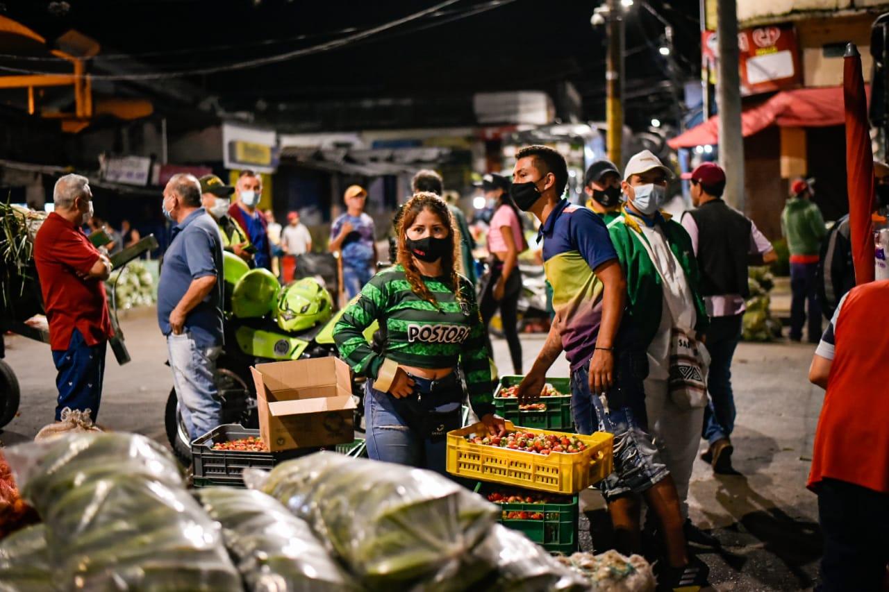 Buscan regular las zonas de cargue y descargue en la plaza de La 21