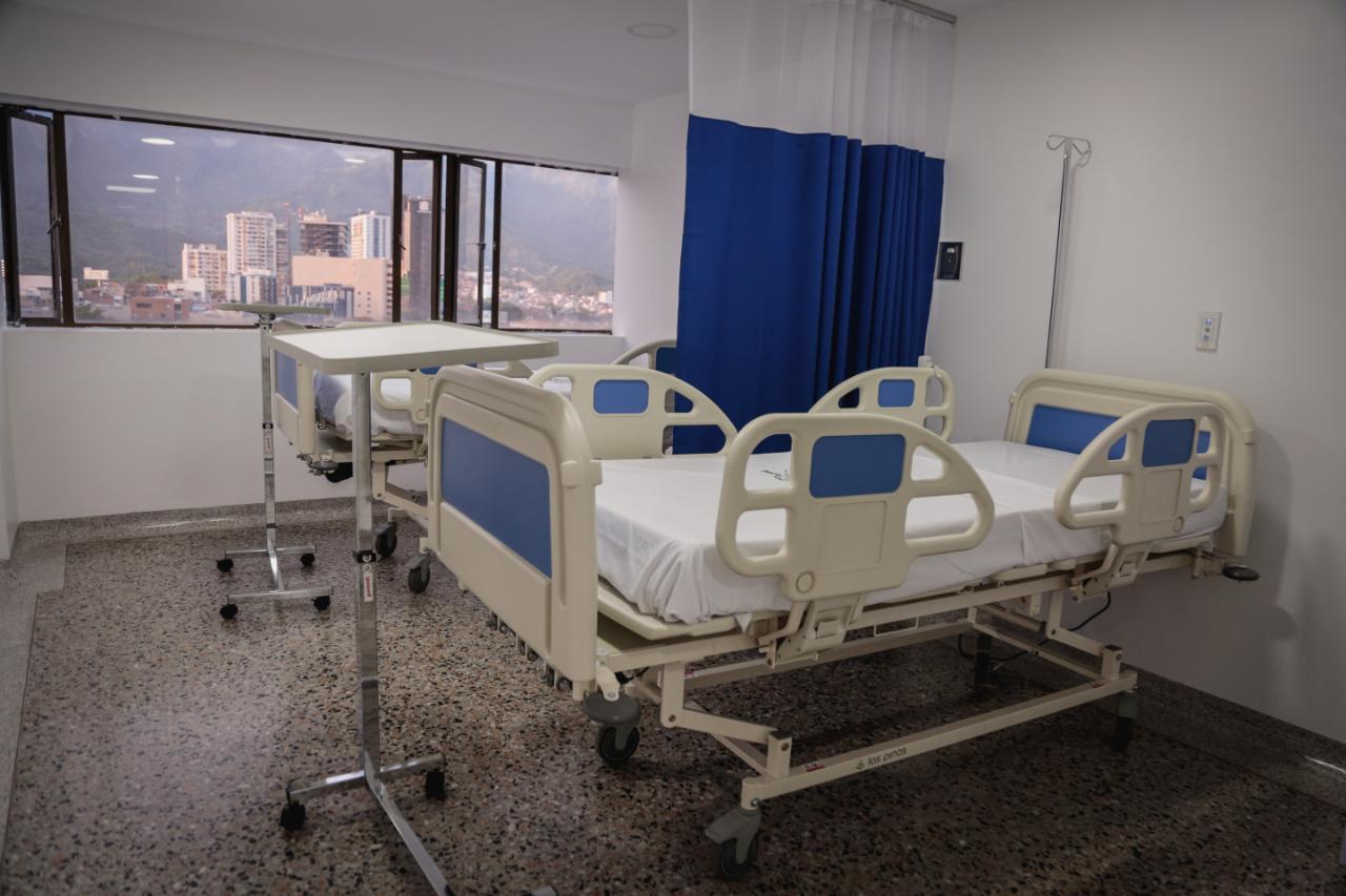 Habilitan 50 camas en el quinto piso del Hospital Federico Lleras, sede Limonar