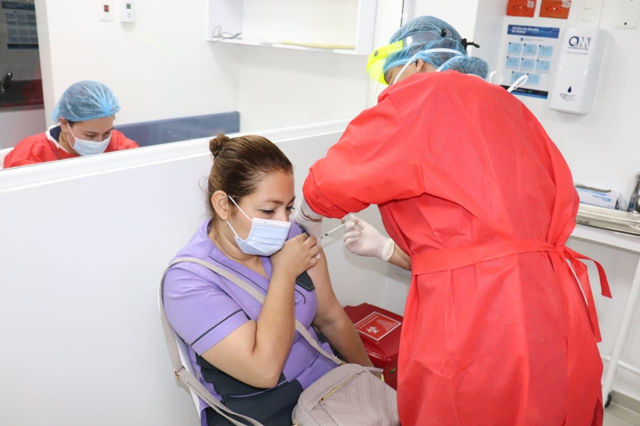 Se cumplió el primer objetivo de 1.344 personas vacunadas contra el Covid-19 en Ibagué