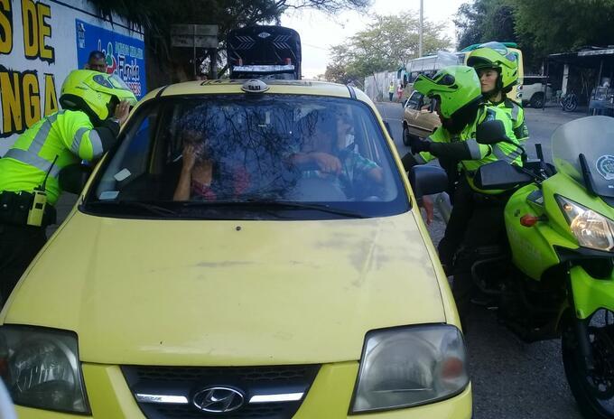 Capturados por robar y abusar de mujeres en taxis