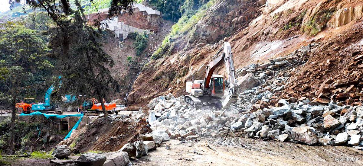 Por caída de rocas se cerró de forma temporal de la vía entre Cajamarca y Calarcá