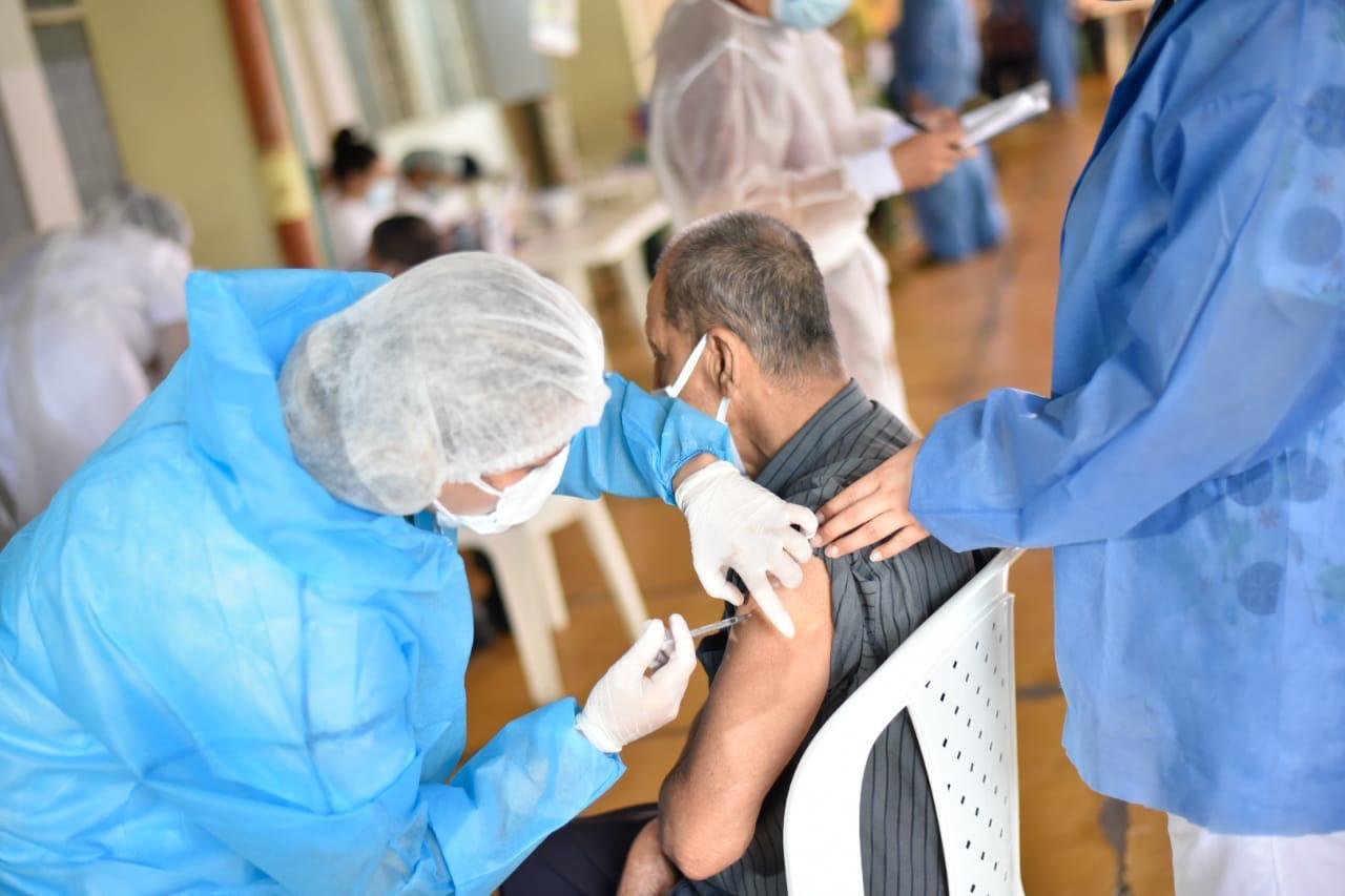 Dato: 299 adultos mayores ya fueron vacunados en Ibagué