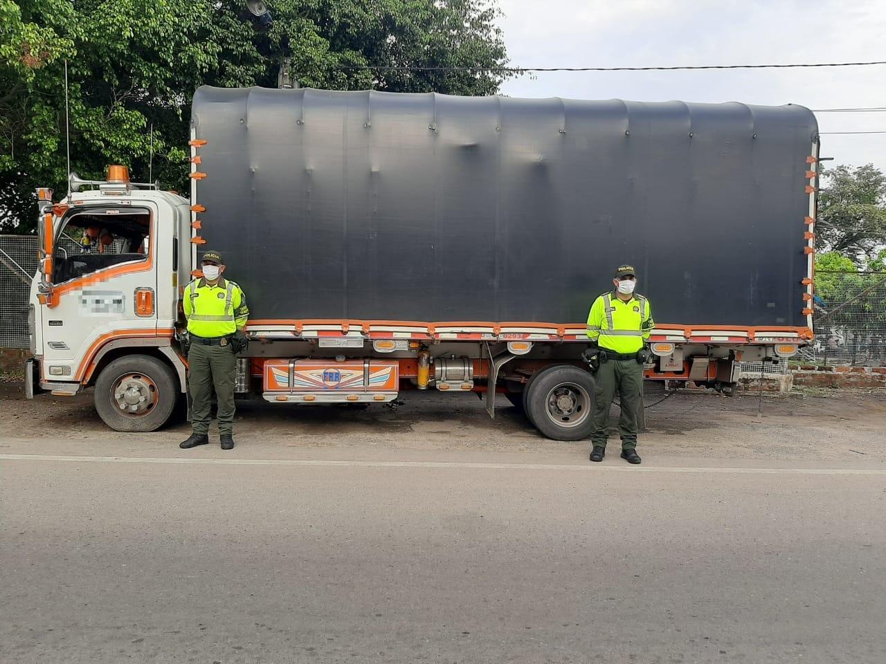 Policía recuperó un camión y su carga, avaluados en $ 252 millones