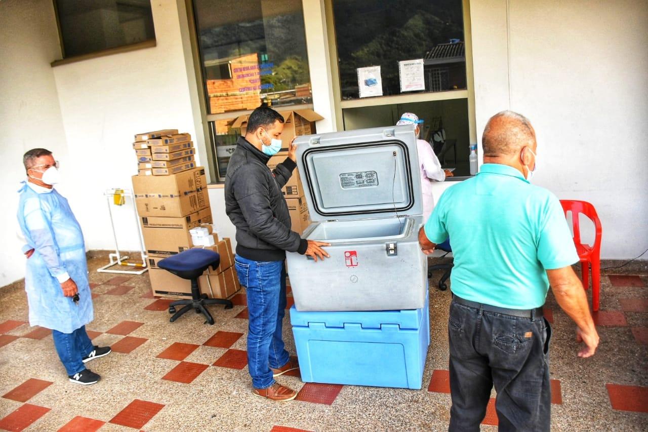 IPS públicas del Tolima reciben 30.210 vacunas de Sinovac