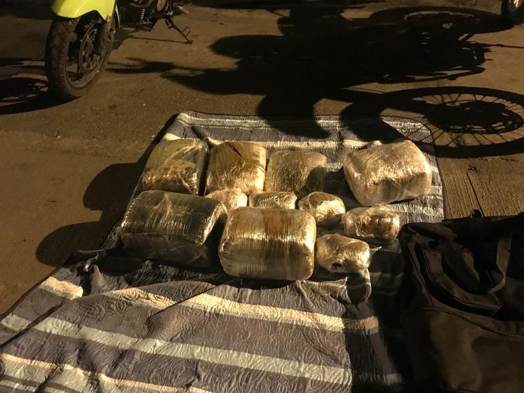 Capturan a sujeto que transportaba 25 kilos de marihuana como pasajero en un bus intermunicipal