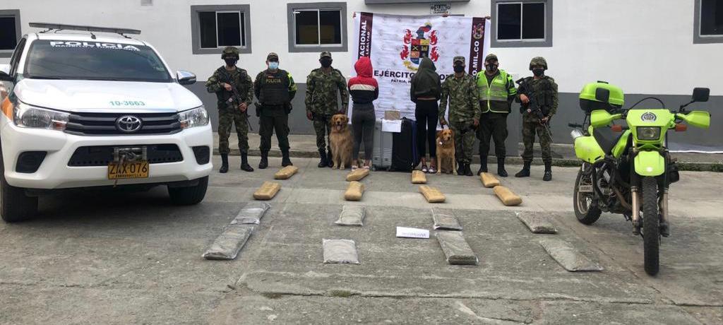 Incautados 31 kilos de marihuana y un kilo de cocaína en Cajamarca a venezolanas
