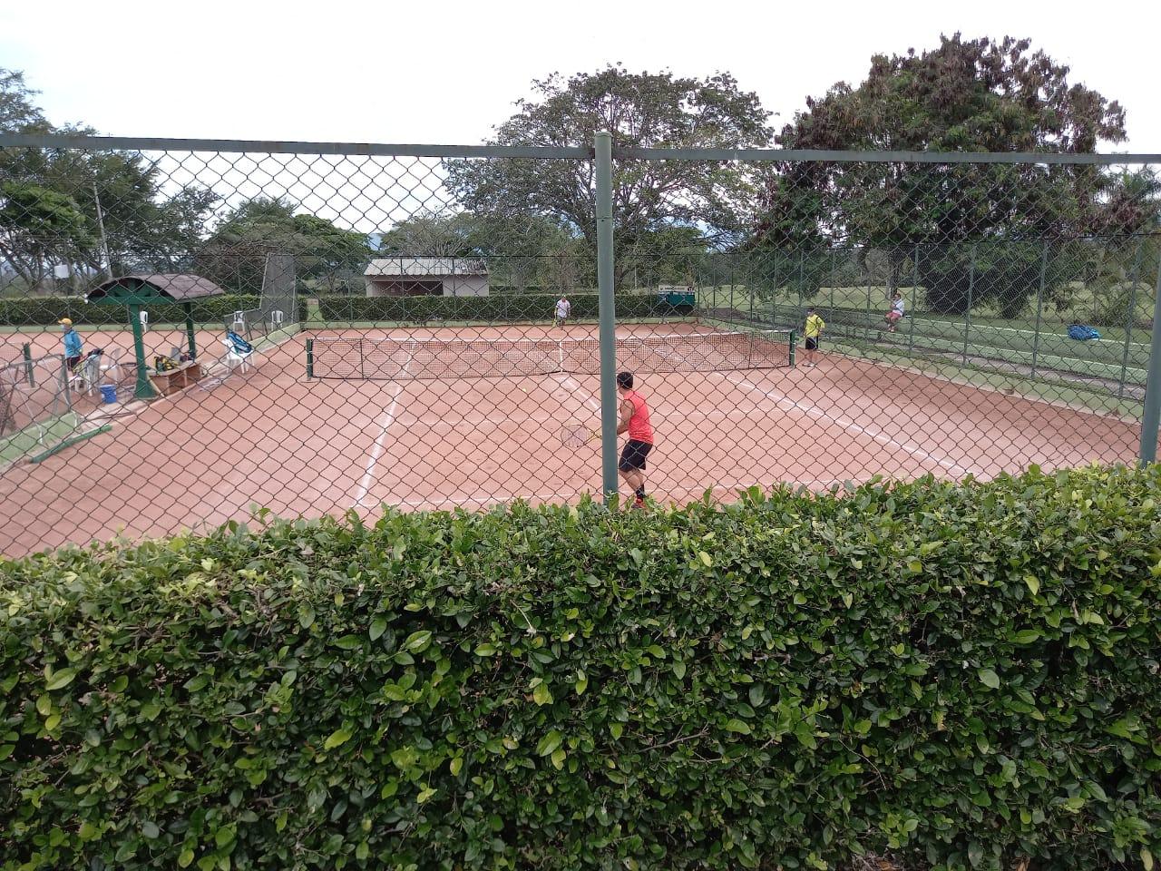 Con éxito empezó el Torneo Nacional de Tenis Aficionado en Ibagué