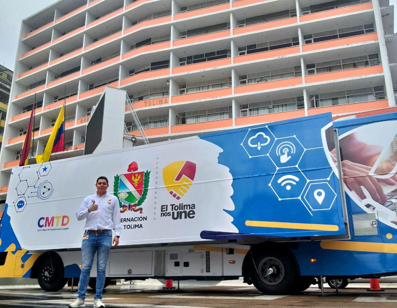 El bus TIC enciende motores para cumplir su ruta por el Tolima