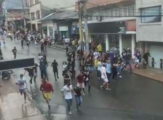Ocho capturados y un policía herido: Balance de las protestas de este miércoles en Ibagué