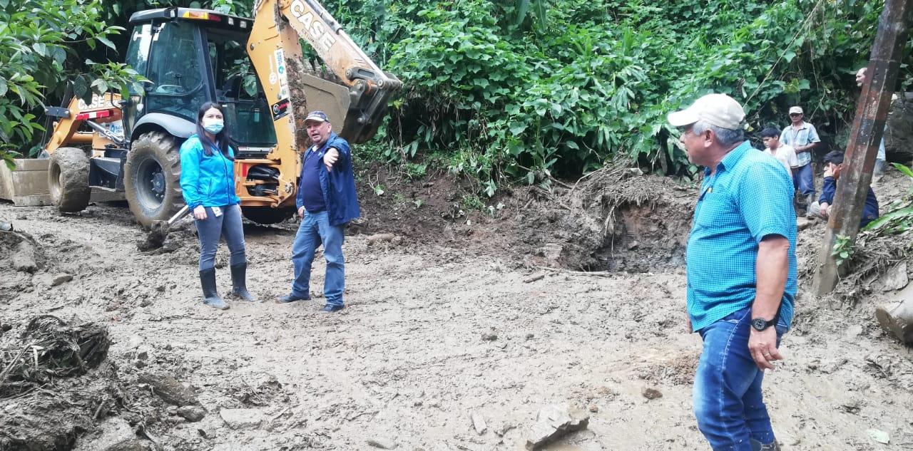 Deslizamientos de tierra en la vereda La Cascada del corregimiento Cay