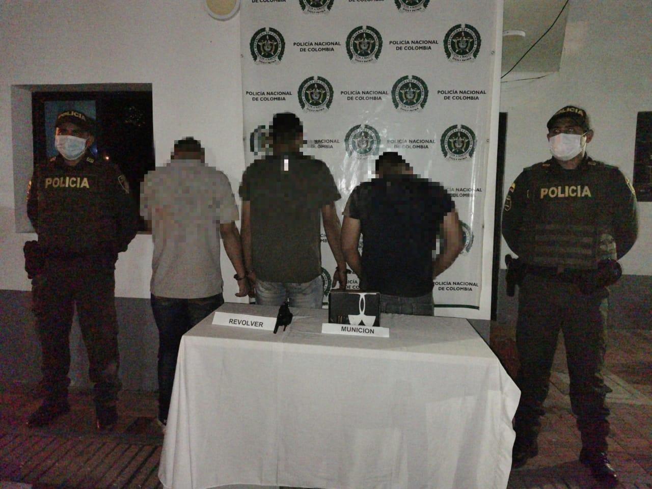 Tres hombres se desplazaban armados en un carro entre Valle de San Juan y Rovira