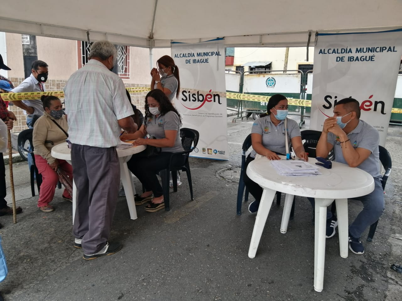 Más de 800 personas fueron atendidas en jornada de Alcaldía al Barrio en la comuna 11