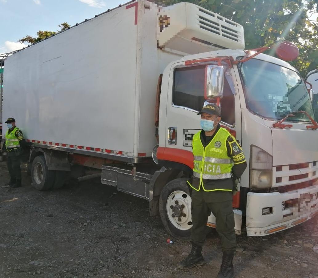 Recuperan camión y su carga avaluados en cerca de $150 millones