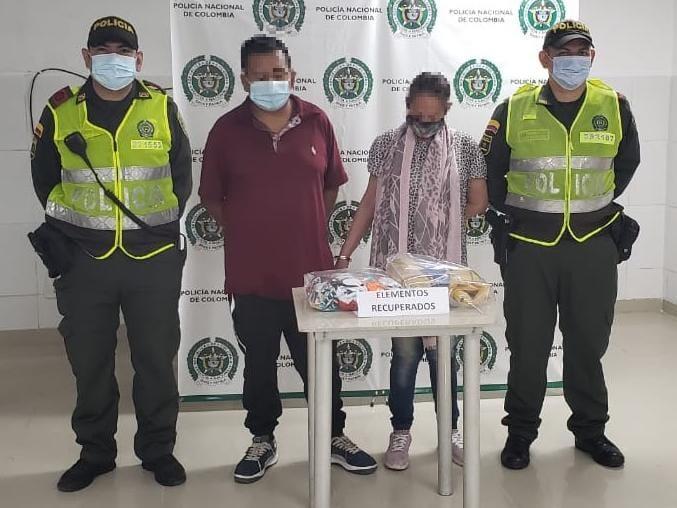 Dos personas capturadas por hurto