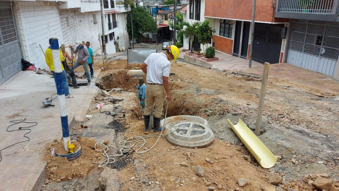 Ibal adelanta la instalación de más de 100 metros de nueva tubería de alcantarillado