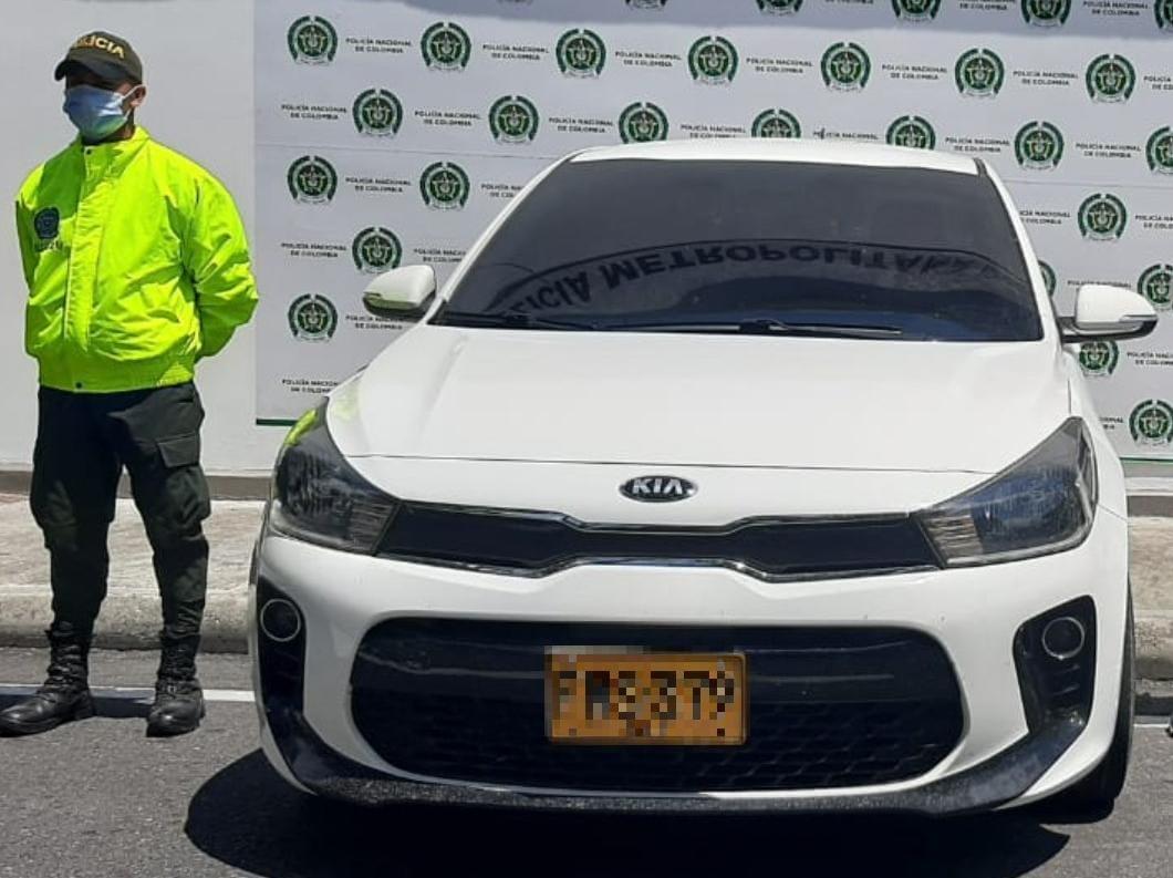 Policía recuperó en Ibagué un automóvil robado en Cali