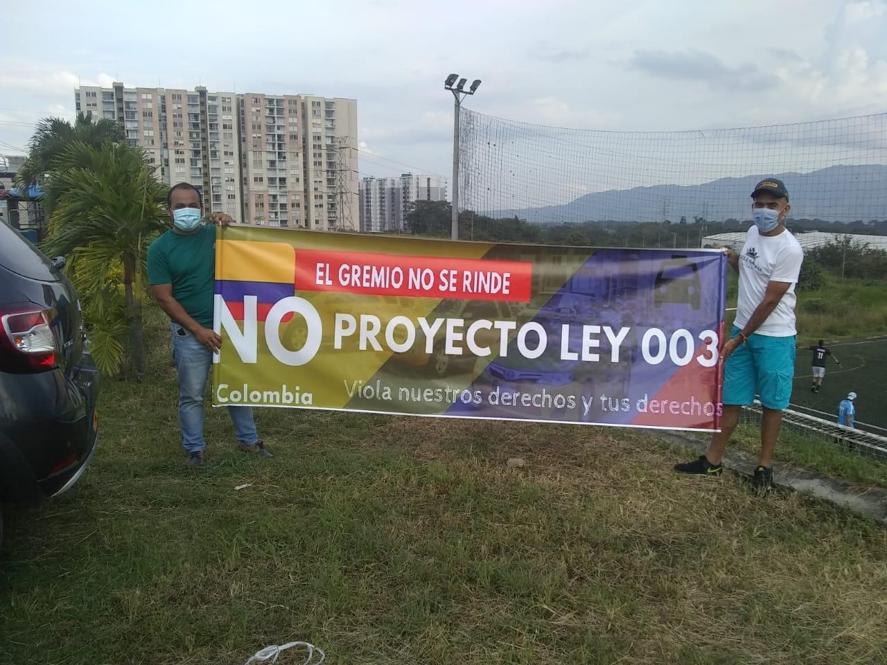 Taxistas de Ibagué se suman al paro nacional de la 'Mancha amarilla' este lunes