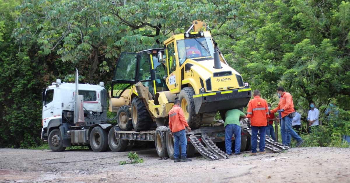 Gobernador Orozco consolida millonarios recursos para recuperación vial en el Sur del Tolima