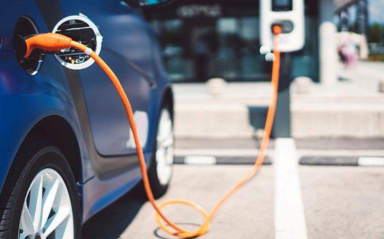 En abril se matricularon más de 900 vehículos híbridos y eléctricos en el País